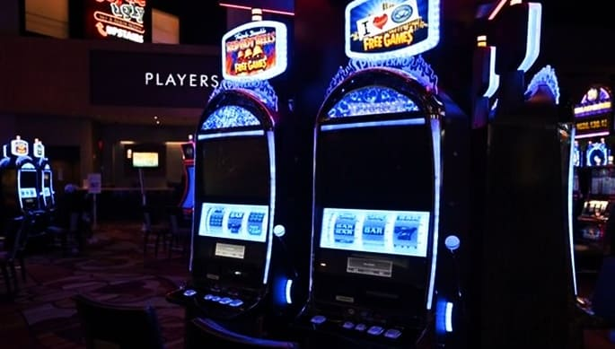 what are the 카지노사이트 advantages of playing at an online casino?